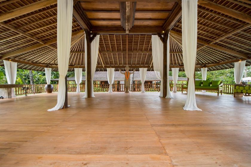The Mat Movement Bali yoga retreat May 2018; beautiful yoga deck
