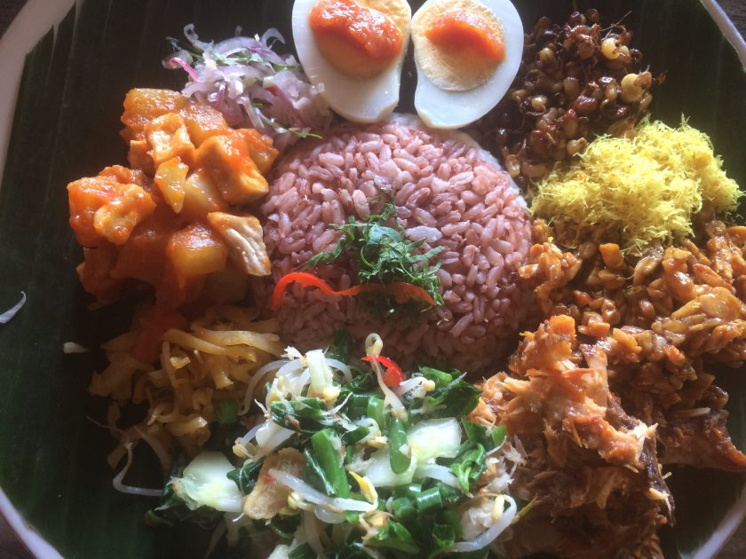 The Mat Movement Bali yoga retreat May 2018; vegetarian and vegan food prepared with love.